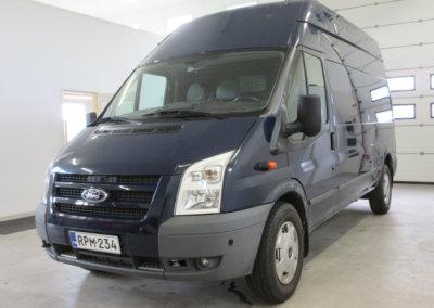ford-transit-pakettiauto03