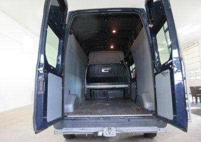 ford-transit-pakettiauto05