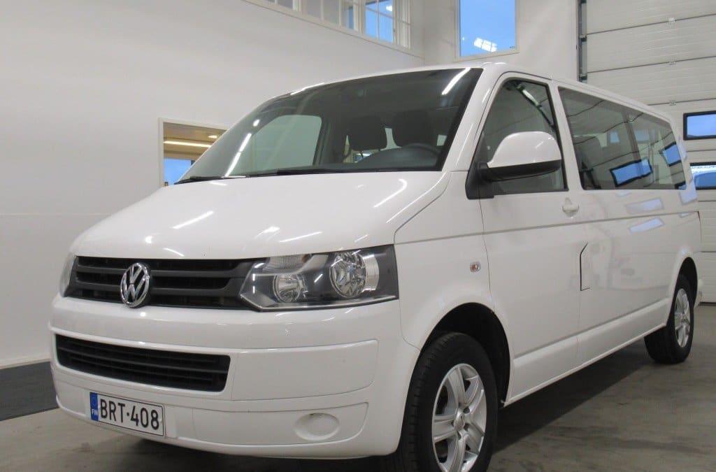 Pikkubussi Volkswagen Caravelle Pitkä 1+8 paikkainen 2014